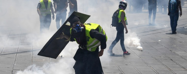 yellow-vests-'act-30':-tensions-&-tear-gas-fly-high-in-southern-france-(videos,-photos)