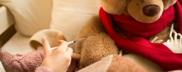 laat-je-beren-vaccineren-–-na-baby's,-kinderen,-pubers,-zwangeren,-touristen,-bejaarden-en-volwassenen-vaccineren-we-nu-teddyberen?-–-stichting-vaccin-vrij