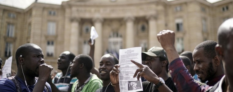 'we're-not-slaves':-new-doc-explores-black-vest-protests-for-migrant-workers'-rights-in-france