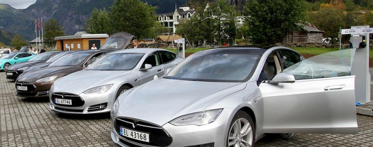 norway's-electric-car-miracle-is-a-smug-national-fraud-built-on-subsidizing-rich-people-with-teslas