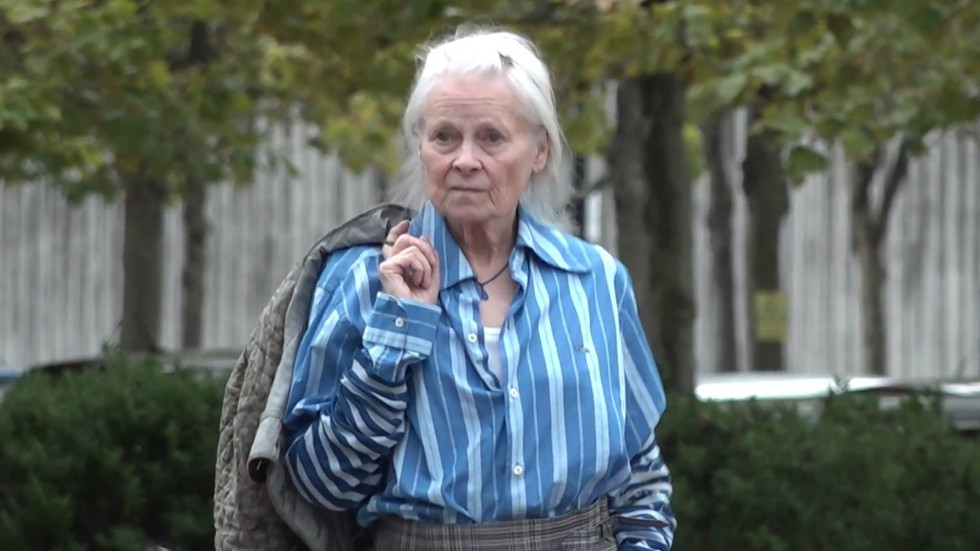 'the-state-assange-is-in-is-a-wonder,-don't-know-how-i-would-cope,'-vivienne-westwood-tells-rt