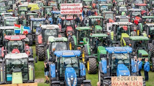 dutch-farmers-in-mass-revolt-against-green-fascism