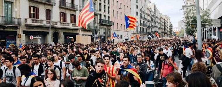 tagesdosis-21102019-–-barcelona-und-london-–-der-unaufhaltsame-zerfall-der-eu-|-kenfm.de
