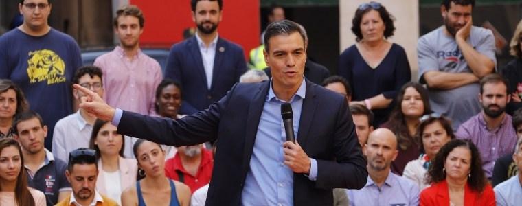 spaanse-premier-pedro-sanchez-verkeert-gegokt-–-indignatie