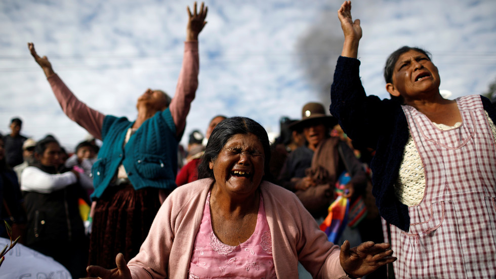 morales-supporters-grieve-for-those-killed-in-march-against-interim-government-&-met-with-'disproportionate'-force