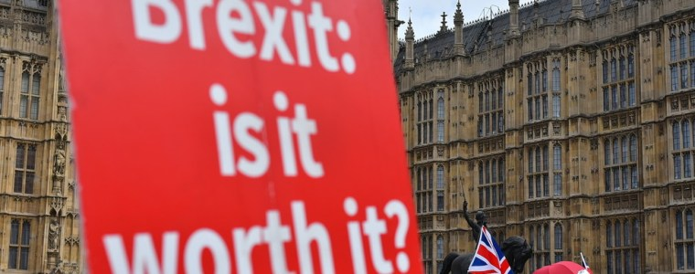 what-brexit?-tories'-first-priority-is-to-ban-'anti-semitic'-boycotts,-envoy-says