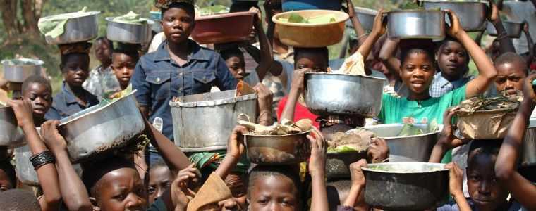 die-entwicklungshilfe-industrie-lebt-davon,-dass-die-armut-nicht-endet