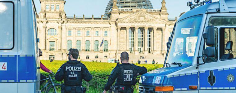 "sind-corona-hygienedemos-""die-falschen-proteste?""-–-tagesdosis-2952020-|-kenfm.de"