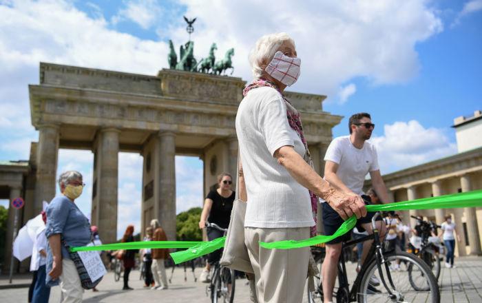 """so-verliefen-""""unteilbar""""-demos-in-deutschland-–-fotos"""