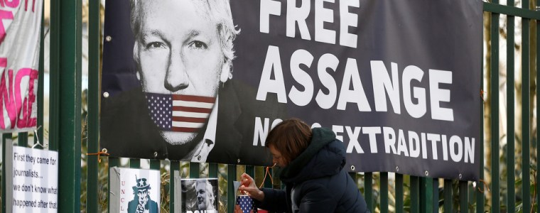 new-us-indictment-of-assange-accuses-wikileaks-founder-of-'conspiring-with-anonymous'-hackers…-in-fbi-sting-op?
