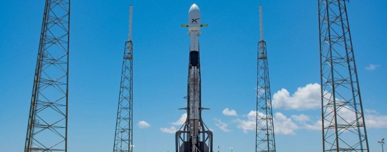 night-sky-'no-longer-the-norm':-scientists-say-elon-musk's-satellite-network-will-permanently-mar-our-view-of-the-stars