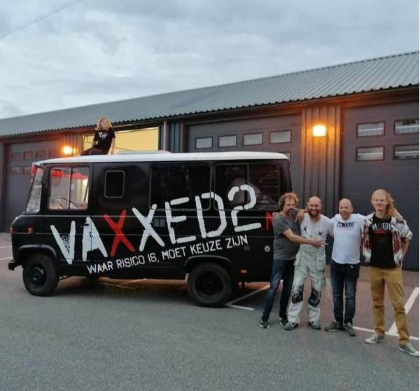 vaxxed2-on-tour-door-nederland-en-belgie-voor-het-delen-van-#vaccinatie-leed-–-de-lange-mars-plus