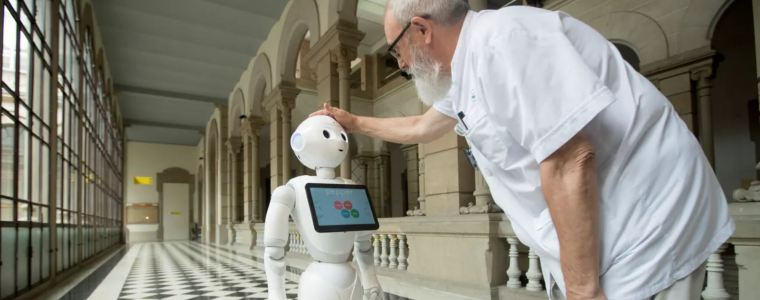 robots-to-be-introduced-in-uk-care-homes-to-allay-loneliness-–-that's-inhuman
