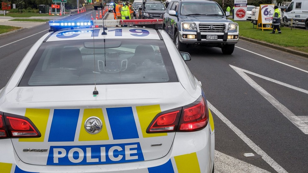 man-uses-bedsheet-rope-in-attempted-escape-from-auckland-covid-19-quarantine-facility