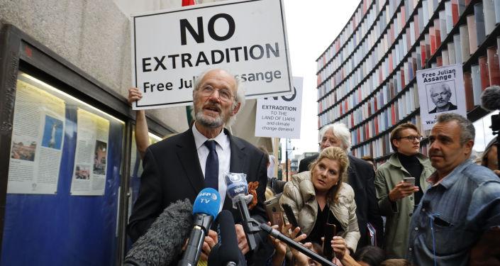 vater-von-julian-assange-sucht-in-berlin-verstandnis-fur-menschenrechte-–-und-heiko-maas…