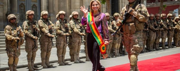 bolivien-–-nach-monatelanger-ermittlungsbehinderung-der-senkata-und-sacaba-massaker-sitzt-de-facto-prasidentin-jeanine-anez-auf-der-anklagebank