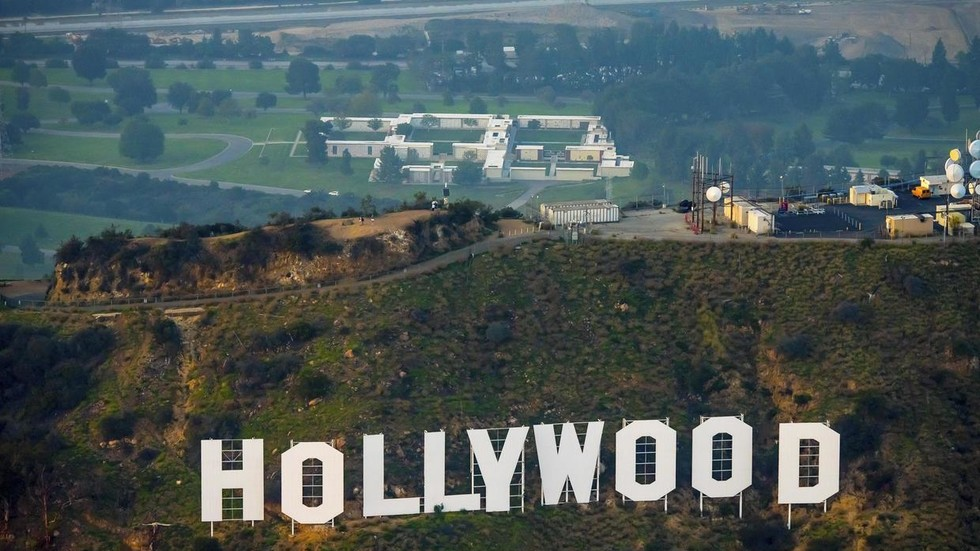 essential-entertainment?-california-governor-excludes-hollywood-from-having-to-follow-his-strict-covid-19-curfew-order-–-report