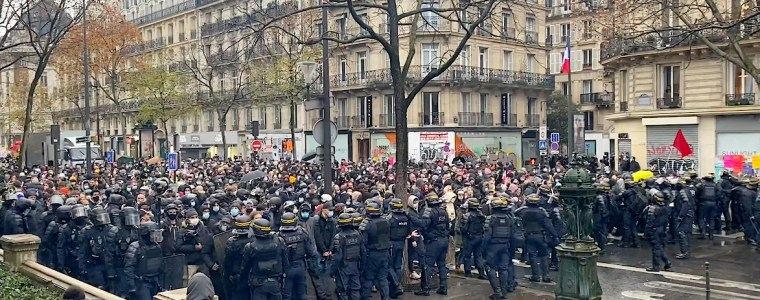 kenfm-am-set:-demonstration-in-frankreich-am-12122020-(place-du-chatelet)-|-kenfm.de