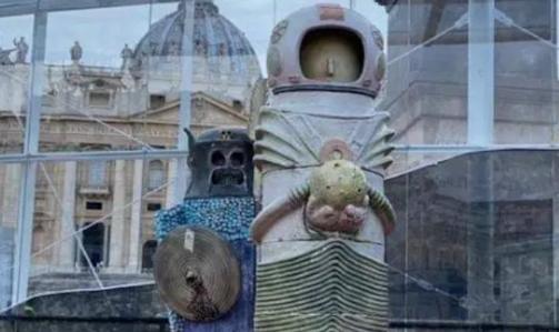 'vaticaan-bereidt-wereld-met-bizarre-kerststal-voor-op-komst-buitenaardse-verlossers'-–-xandernieuws
