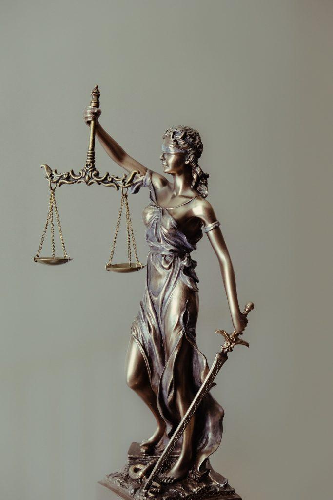 welke-juridische-overwinningen-zijn-er-wereldwijd-al-behaald-rond-de-coronamaatregelen?-–-viruswaarheid