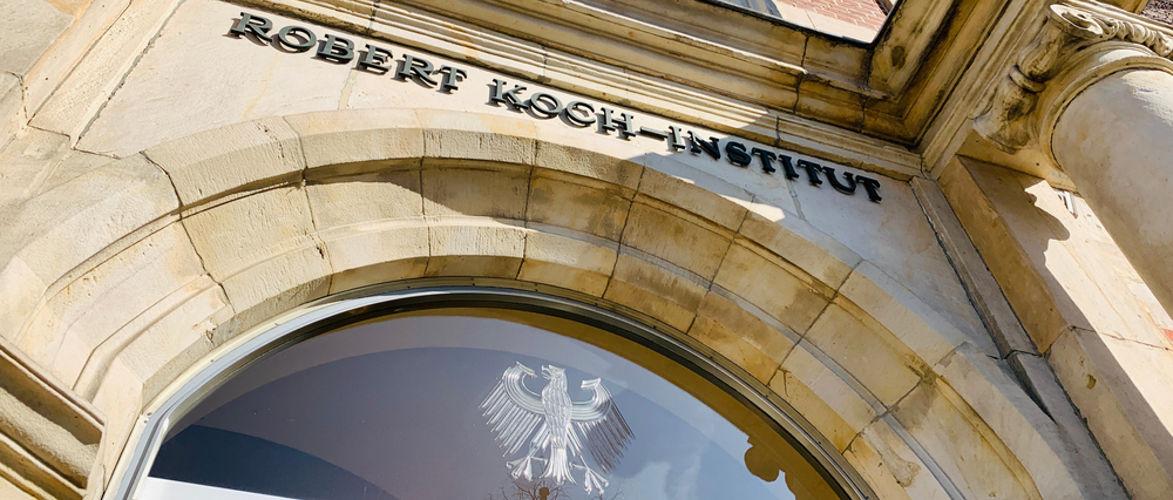 rki-raumt-ein:-geringe-evidenz-fur-eine-wirksamkeit-der-impfung-bei-alten-menschen-|-von-paul-schreyer-|-kenfm.de