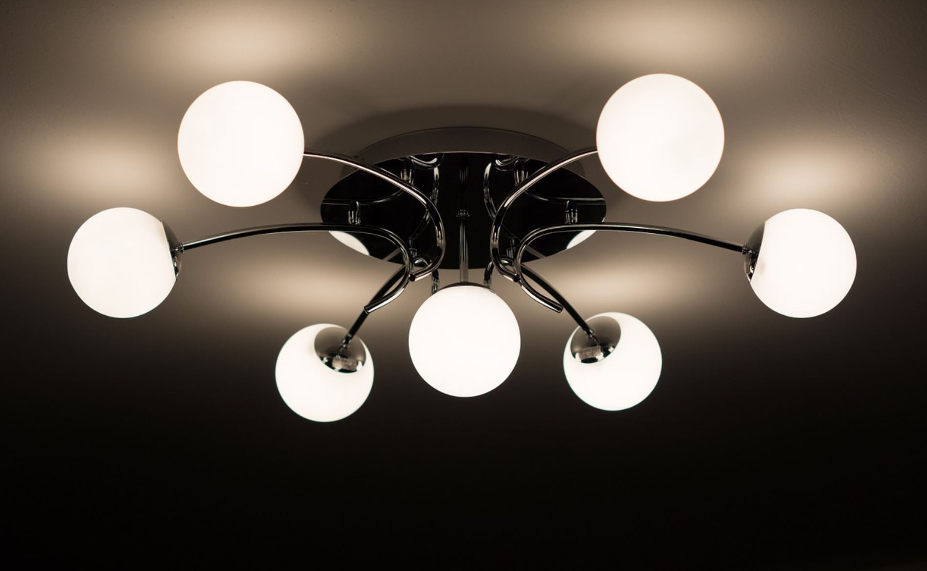 """how-""""smart""""-bulbs-track-your-behavior-(even-when-lights-are-turned-off)-and-why-manufacturers-want-your-data-–-activist-post"""