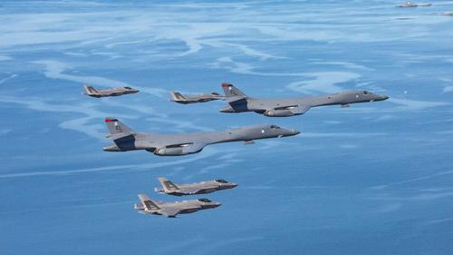 "us-sends-bombers-from-norway-in-""low-flyover""-of-baltics-near-russian-base-