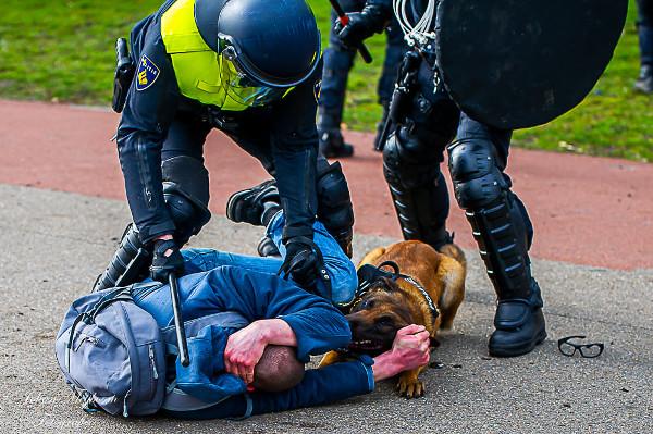 opdracht-aan-politie:-demonstranten-zijn-virussen-die-je-moet-bestrijden-–-de-lange-mars-plus
