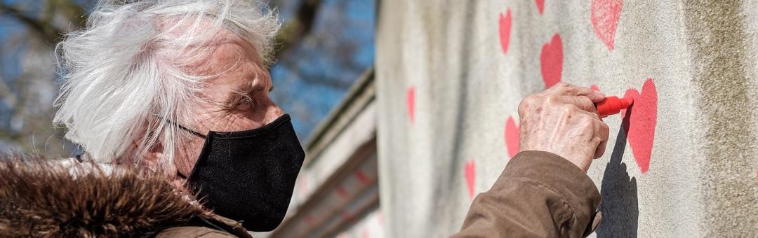 93-jarige-holocaust-overlevende-noemt-eindeloze-lockdowns-'erger'-dan-nazi-duitsland