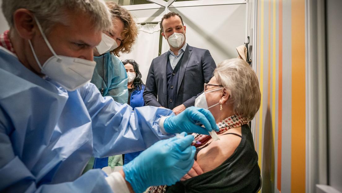 covid-19-impfungen-mit-nebenwirkungen:-bundesinstitut-streicht-schwere-verdachtsfalle-aus-der-liste