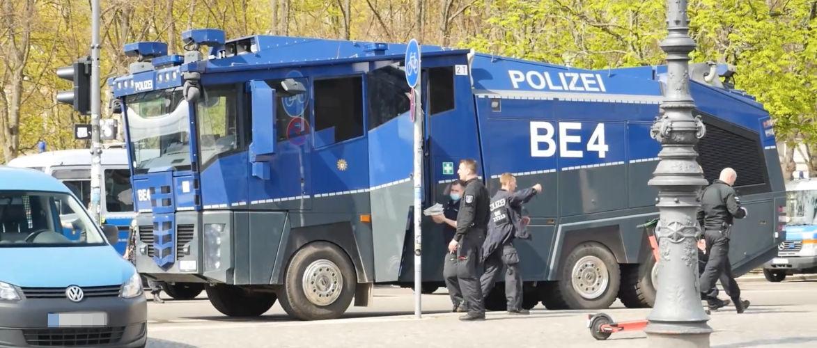 berlin:-proteste-gegen-das-neue-infektionsschutzgesetz-|-kenfm.de