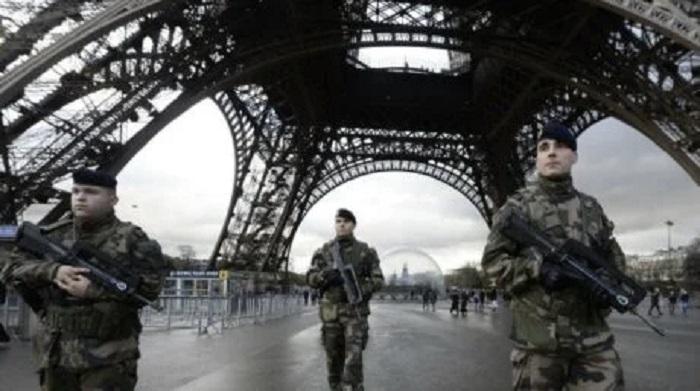 100.000-fransen-tekenen-petitie-voor-militaire-coup-tegen-macron-–-dissidentnl