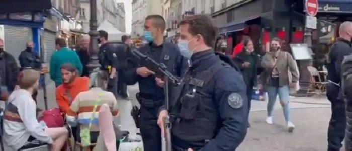frankrijk:-zwaarbewapende-politie-zet-cafebezoekers-uit-wegens-avondklok-(video)-–-dissidentnl