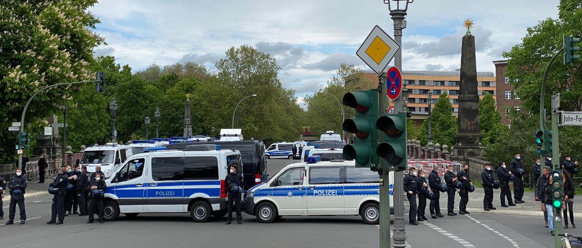 bundesregierung-mauert-berlin-ein-|-von-anselm-lenz-|-kenfm.de