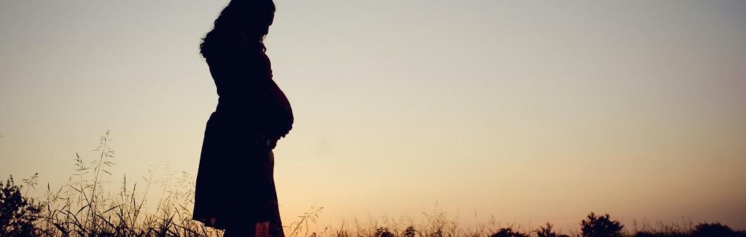 'we-weten-niet-of-gevaccineerde-vrouwen-misvormde-baby's-ter-wereld-zullen-brengen'