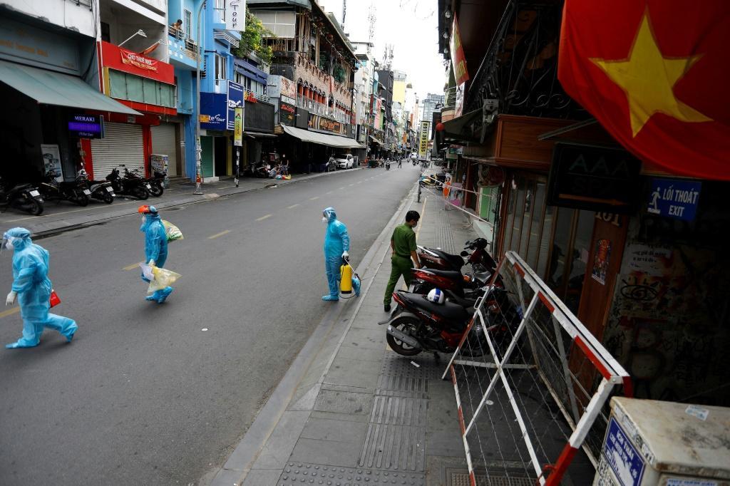 vietnam's-biggest-city-enters-two-week-coronavirus-lockdown