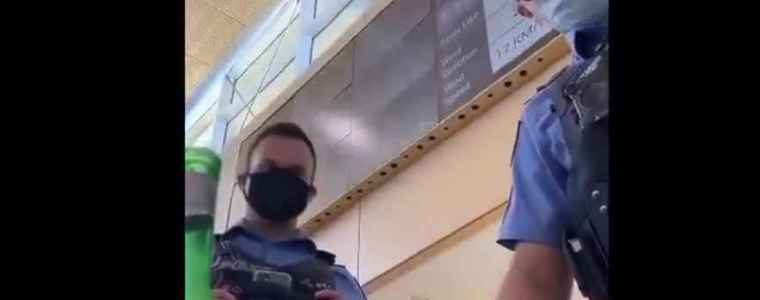 australische-man-gearresteerd-en-vliegverbod-opgelegd-omdat-hij-geen-mondkapje-droeg,-ondanks-dat-de-politie-illegaal-zijn-dokter-belde-om-zijn-vrijstelling-te-bewijzen