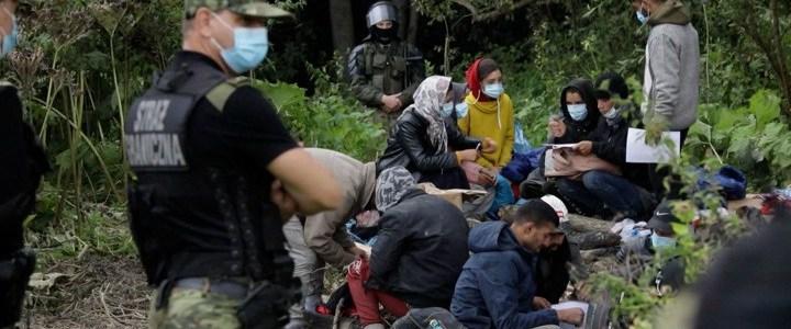 afghaanse-vluchtelingen-zitten-al-17-dagen-in-niemandsland-tussen-polen-en-wit-rusland