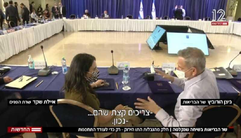 open-microfoon-betrapt-israelische-minister-van-volksgezondheid-die-toegeeft-dat-vaccinpaspoorten-in-werkelijkheid-over-dwang-gaan