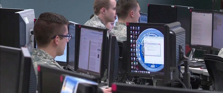 recordaantal-cyberaanvallen-op-russische-verkiezingscommissie-tijdens-parlementsverkiezingen