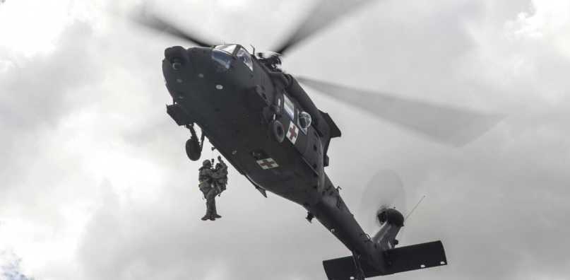 """luchtmacht-arts-vs-leger-waarschuwt-piloten-voor-""""plotse-hartdood""""-na-geninjectie"""