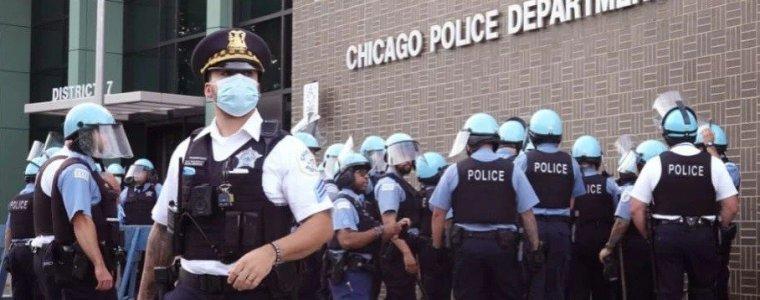 chicago-zal-vanavond-om-middernacht-50%-of-meer-van-zijn-politiemacht-verliezen-omdat-de-politiebond-de-burgemeester-oproept-om-covid-19-vaccinatiestatus-te-melden