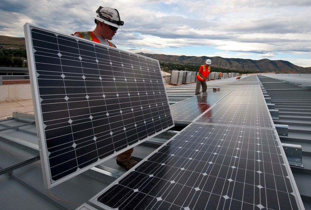solar panel commercial installation