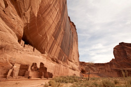 White House ruins in Canyon de Chelly National Monument.