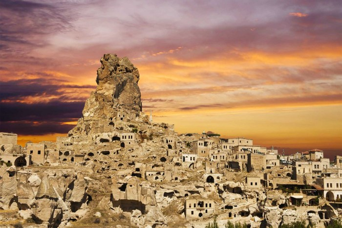2 Nights 3 Days Cappadocia Tour from Istanbul – by Plane
