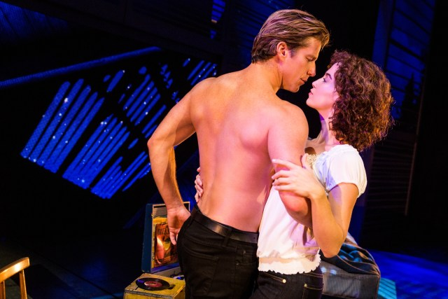 christopher_tierney_(johnny)_and_bronwyn_reed_(baby)_in_the_north_american_tour_of_dirty_dancing_–_the_classic_story_on_stage._(photo_by_matthew_murphy)_(1)_1