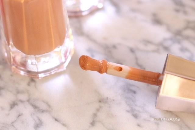 Fenty Beauty Stunna Lip Paint Longwear Fluid Lip Colour applicator