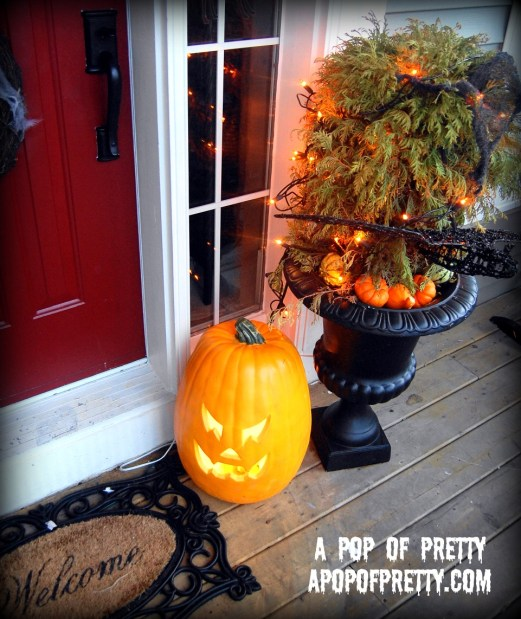 Decorate an urn for Halloween