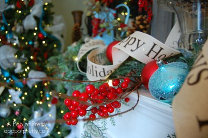 Christmas Mantel Decor: Red & Turquoise