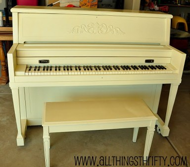 Painting a piano cream